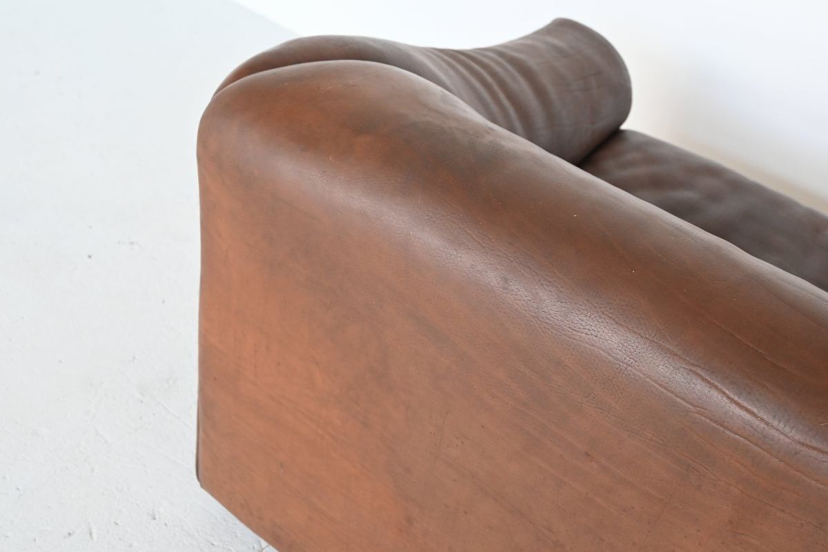 De Sede DS47 two-seat sofa brown buffalo leather ...